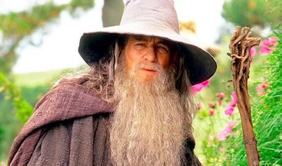 Ian-McKellen-as-Gandalf-the-Grey-in-The-Hobbit