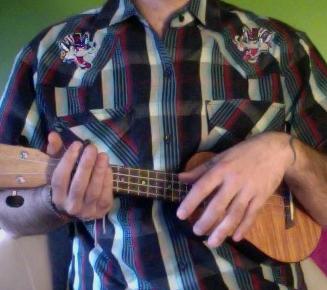 Come impugnare un ukulele